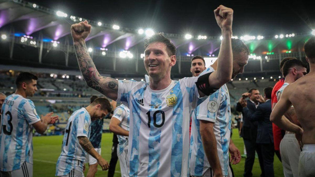 Lionel Messi celebrando la Copa América con Argentina