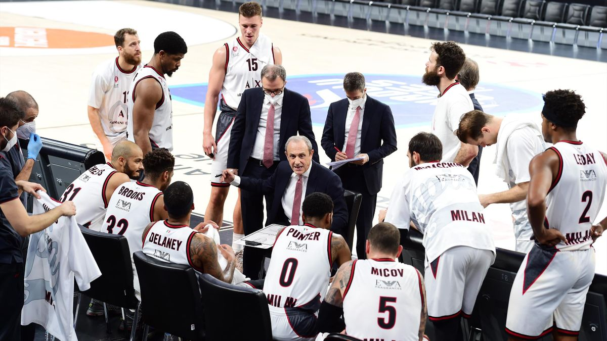 Ettore Messina, Head Coach of AX Armani Exchange Milan in action during the 2020/2021 Turkish Airlines EuroLeague Regular Season Round 15 match between Anadolu Efes Istanbul and AX Armani Exchange Milan at Sinan Erdem Dome on December 17, 2020 in Istanbul