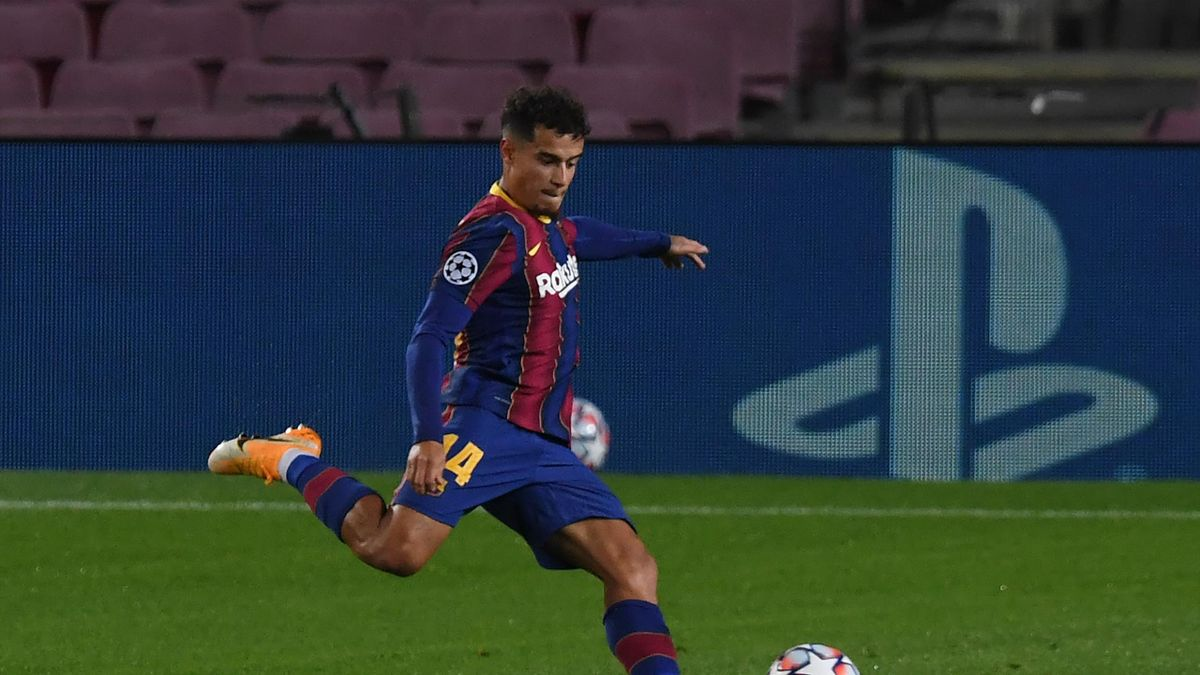 Philippe Coutinho of FC Barcelona scores his sides third goal during the UEFA Champions League Group G stage match between FC Barcelona and Ferencvaros Budapest at Camp Nou on October 20, 2020 in Barcelona, Spain
