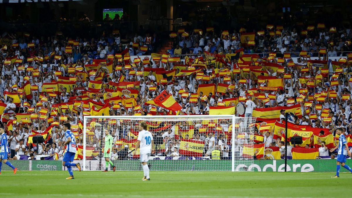 Banderas de España en el Santiago Bernabéu