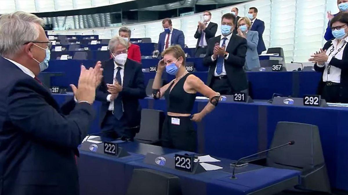 Standing ovation per Bebe Vio al Parlamento Europeo (courtesy of European Parliament)