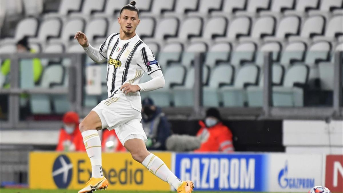 Dragusin in azione in Juventus-Dinamo Kiev