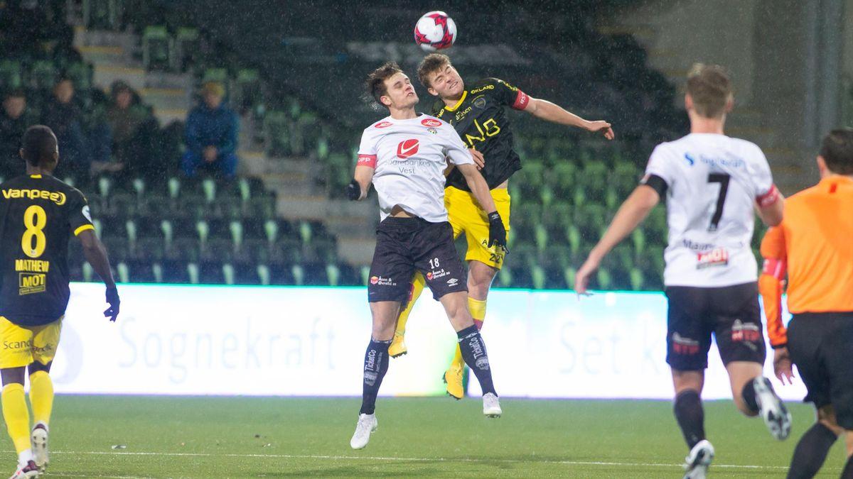 Kristoffer Hoven (t.v.) under en tidligere kamp mot Lillestrøm