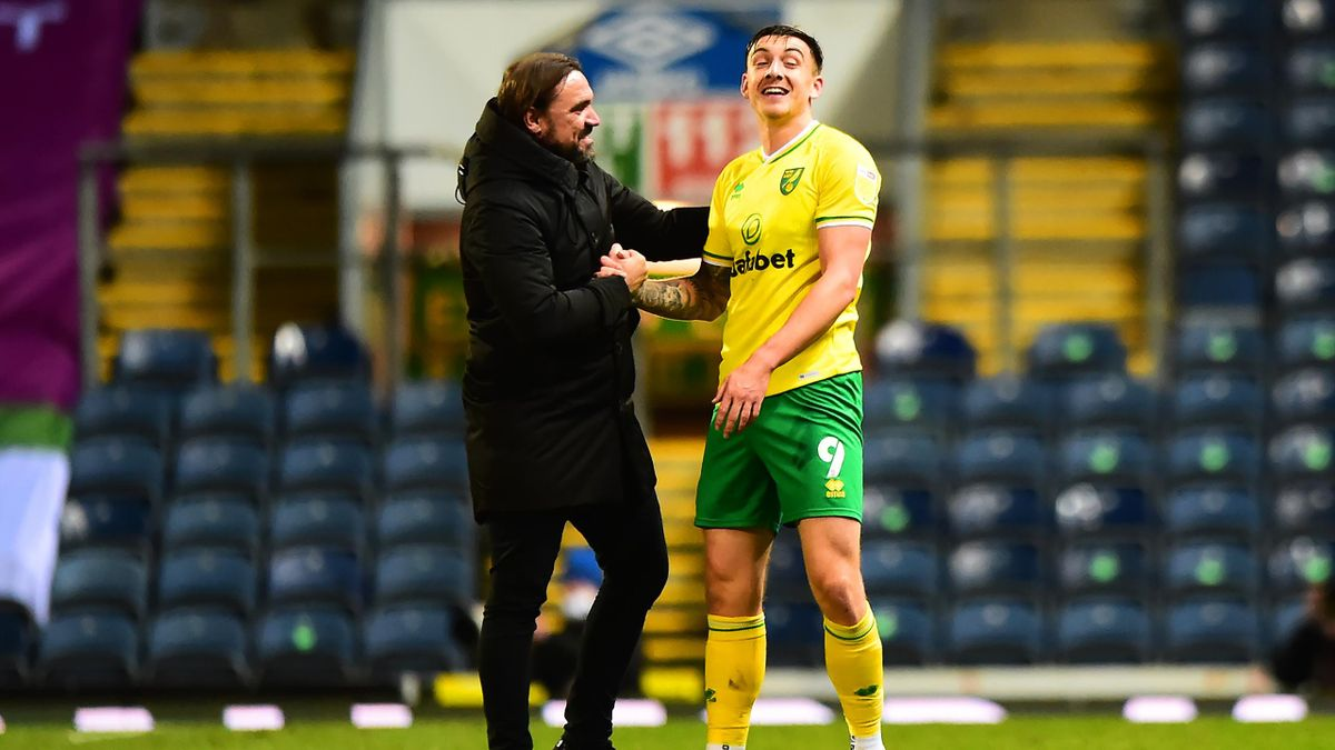 Norwich-Teammanager Daniel Farke (l.) mit Jordan Hugill