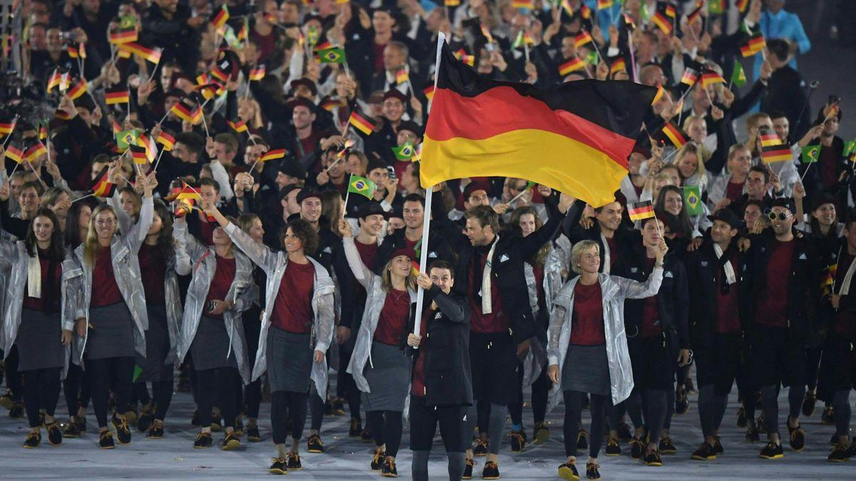 Die Bundesregierung befürwortet eine Corona-Impfung für alle deutschen Olympia-Teilnehmerinnen und Olympia-Teilnehmer