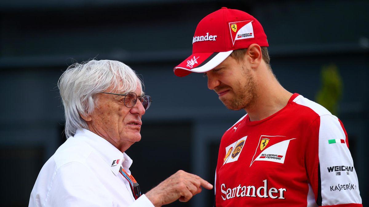 Bernie Ecclestone (l.) im Gespräch mit Sebastian Vettel