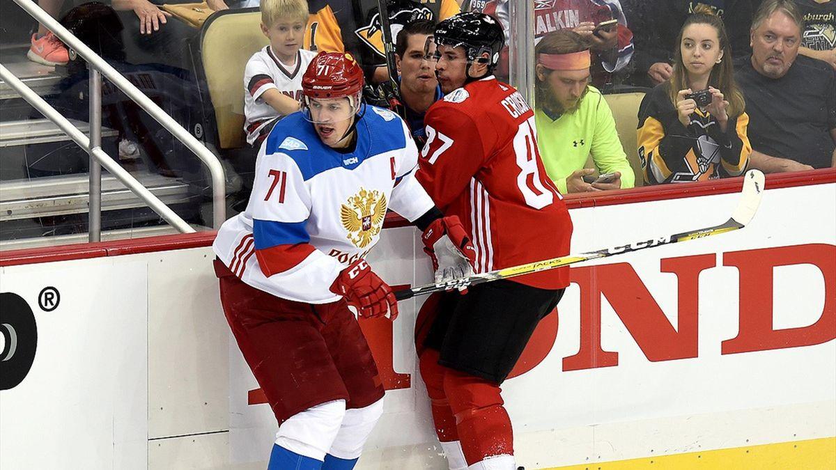 Evgeni Malkin and Sidney Crosby during Canada vs Russia game –  fhr.ru