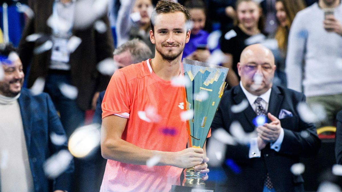 Даниил Медведев празднует победу в Софии