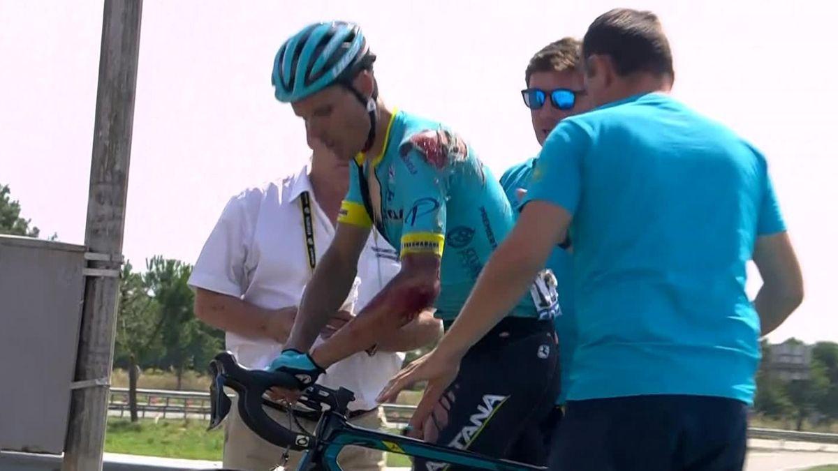 TDF - Stage 2 - Luis Leon Sanchez (Astana) has crashed