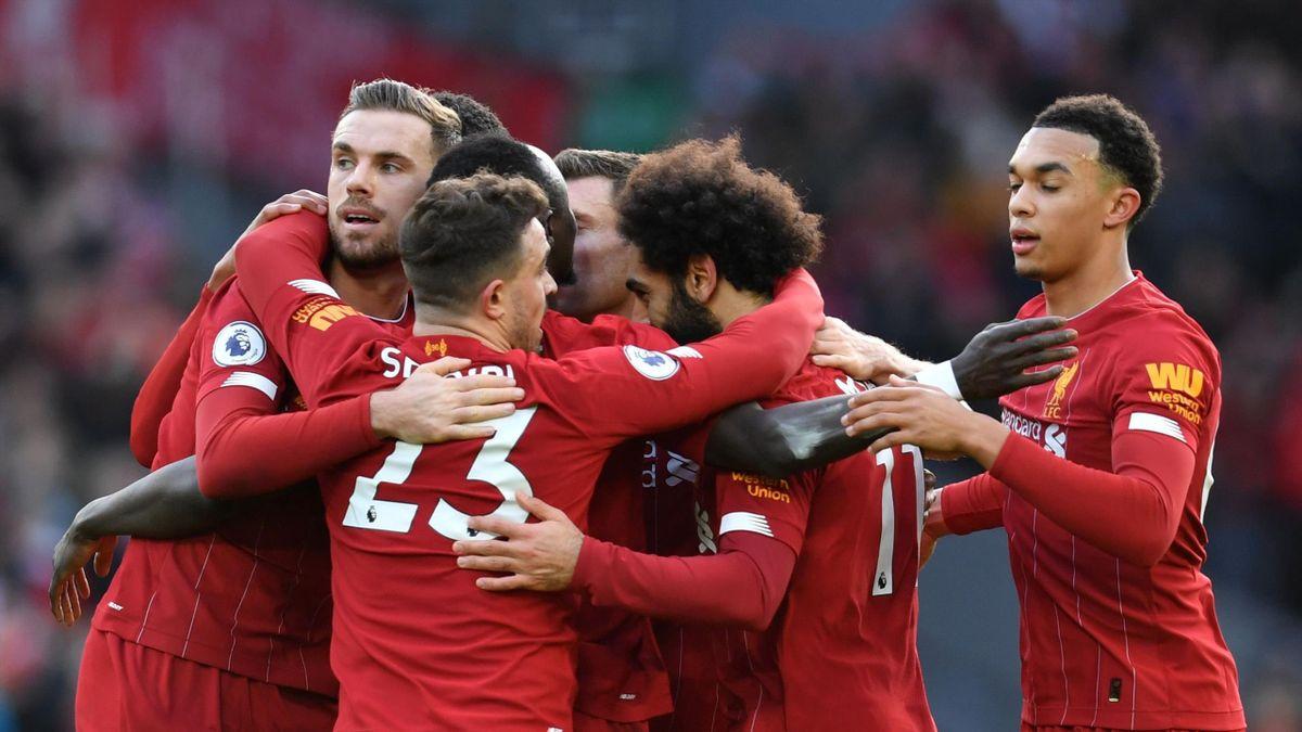Les joueurs de Liverpool fêtent le but de Mohamed Salah face à Watford