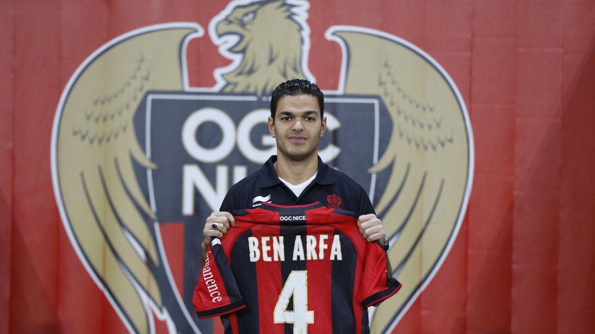 Hatem Ben Arfa lors de sa signature à Nice