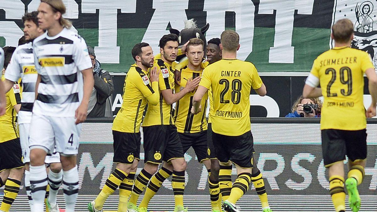 Dortmund gewinnt in Gladbach 3:2