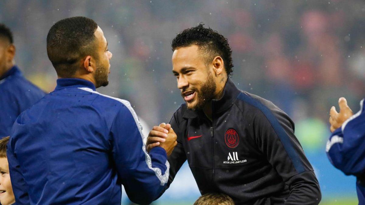 Memphis Depay et Neymar lors de la rencontre Lyon-PSG / Ligue 1
