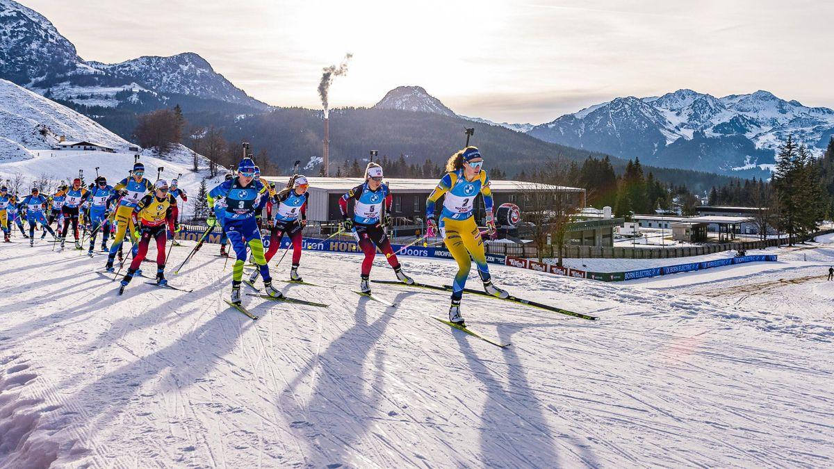 Biathlon-Massenstart der Frauen in Hochfilzen