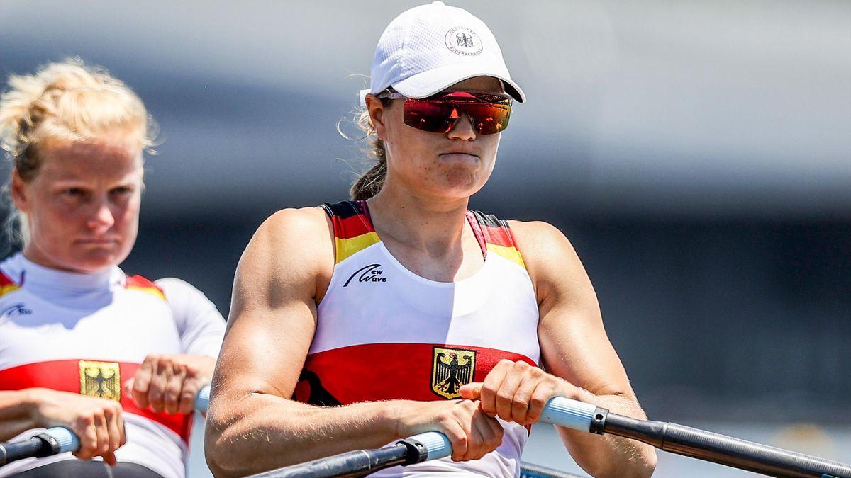 Die deutschen Ruderinnen Annekathrin Thiele und Leonie Menzel im Doppelzweier bei Olympia 2021 in Tokio