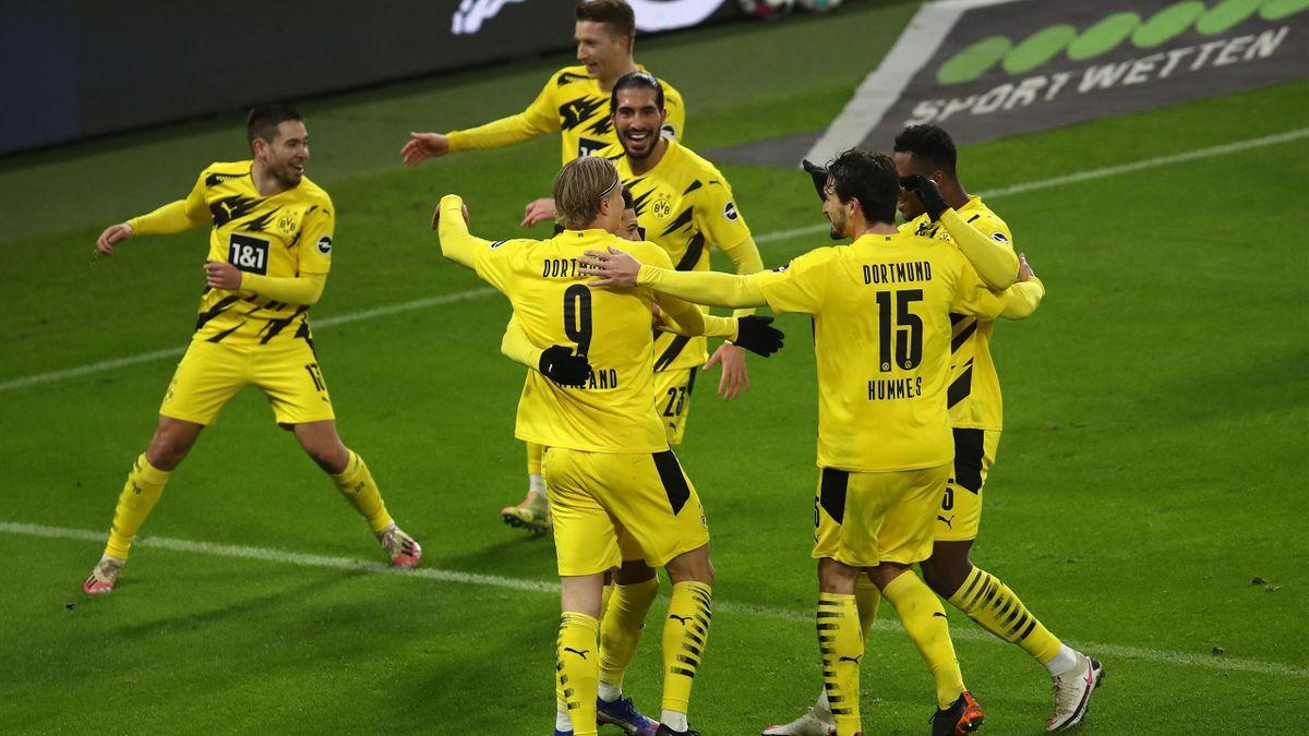 Borussia Dortmund feiert ein Tor in Leipzig