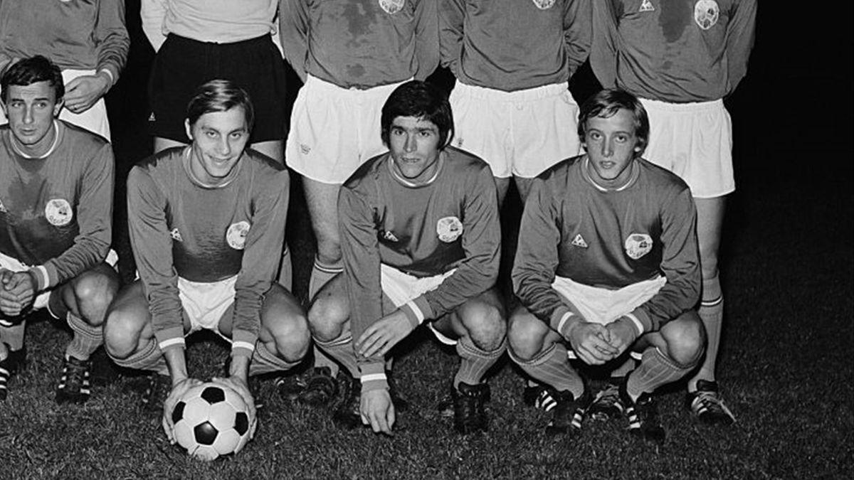 Bernard Guignedoux (au centre), premier buteur de l'histoire du PSG