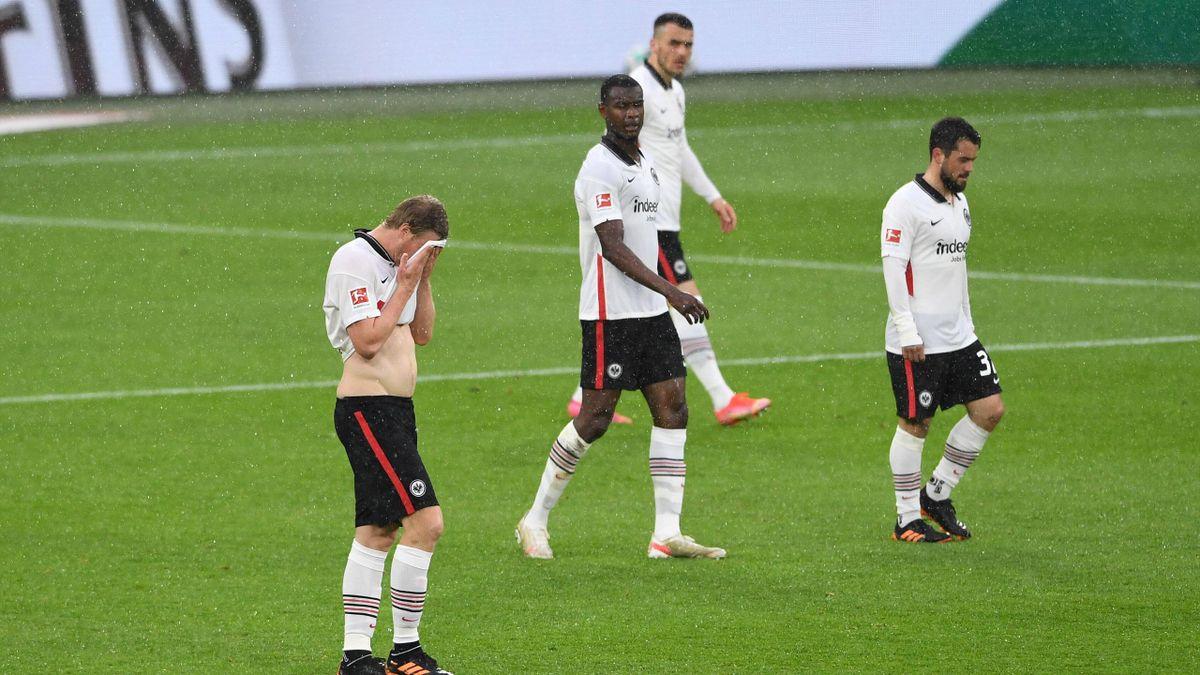 Eintracht Frankfurt verliert 3:4 beim FC Schalke 04