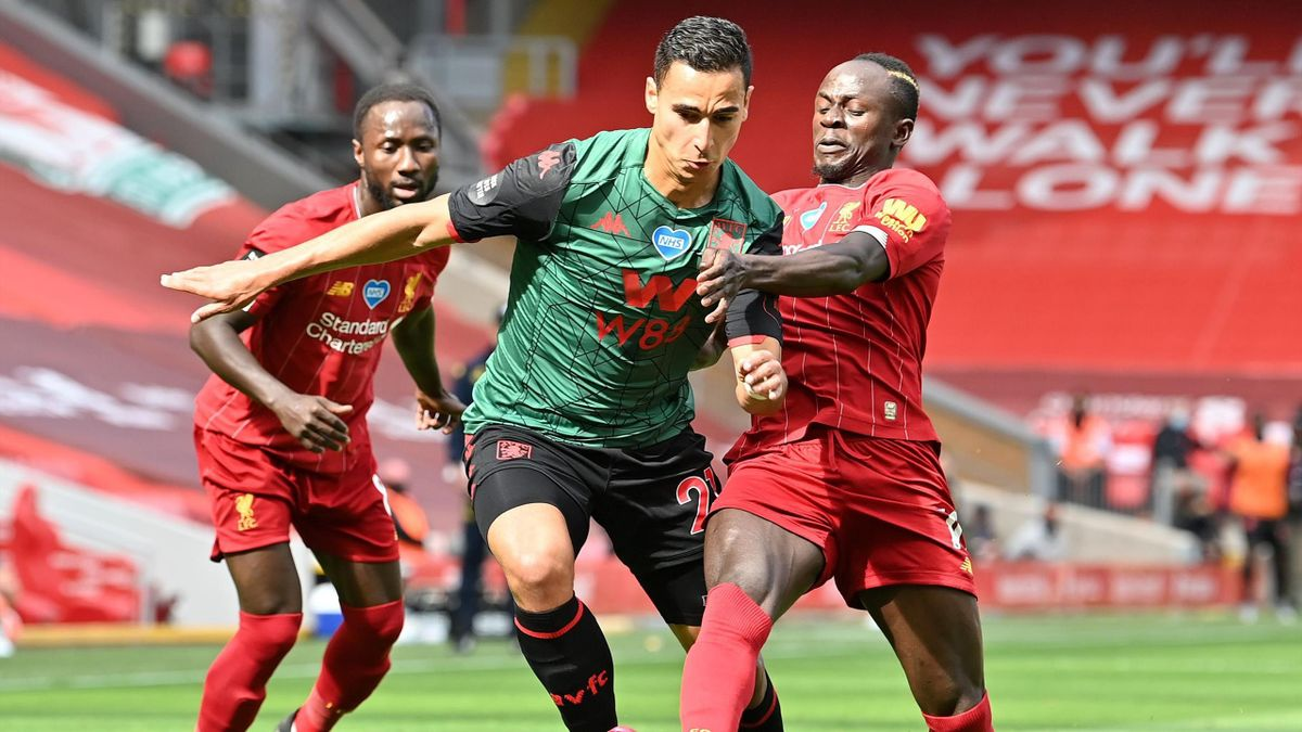 Mane, în duel cu El Ghazi în Liverpool - Villa 1-0