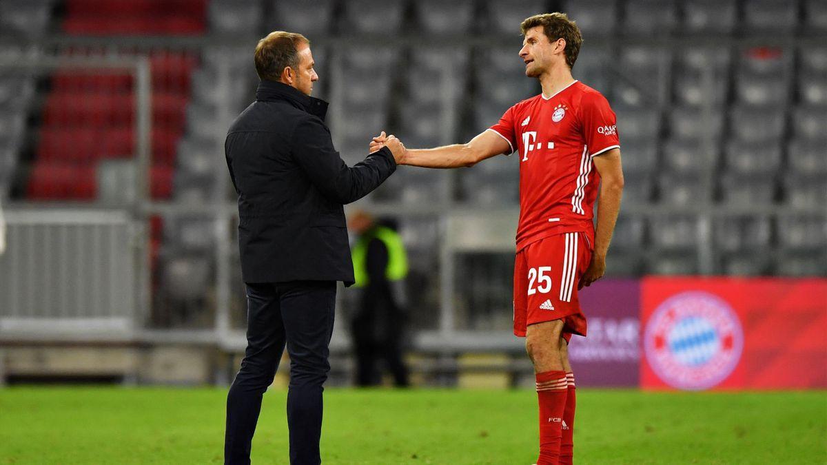 Bayern-Trainer Hansi Flick (l.) mit Thomas Müller