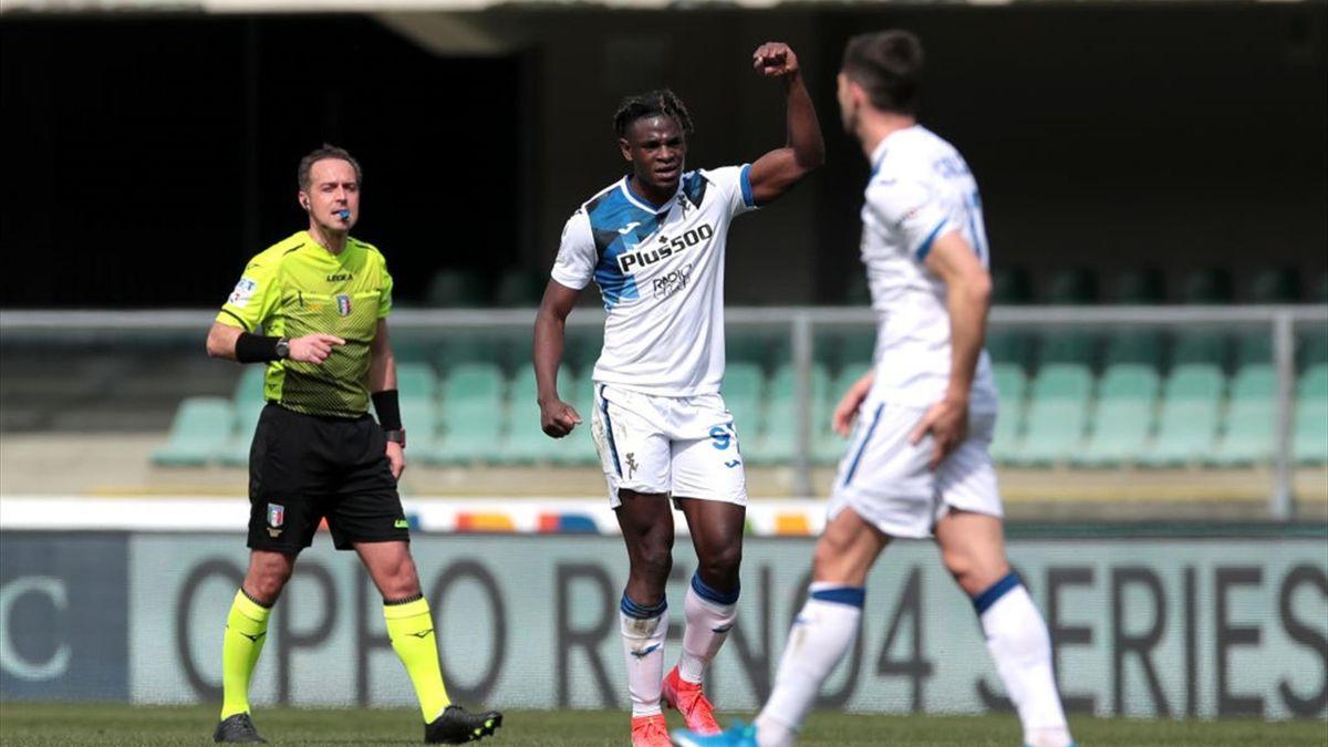 Duvan Zapata esulta dopo il gol - Verona-Atalanta Serie A 2020-21