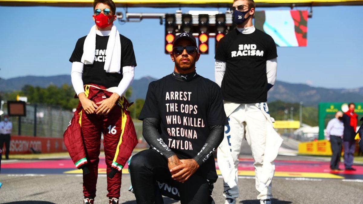 Lewis Hamilton trug in Mugello vor und nach dem Rennen ein T-Shirt mit einem Statement gegen Polizeigewalt