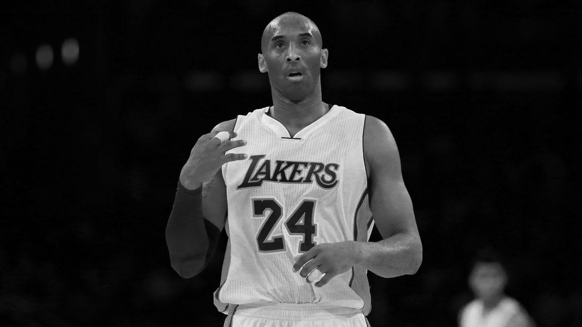 Kobe Bryant con la maglia dei Lakers il 27 marzo 2016 allo Staples Center