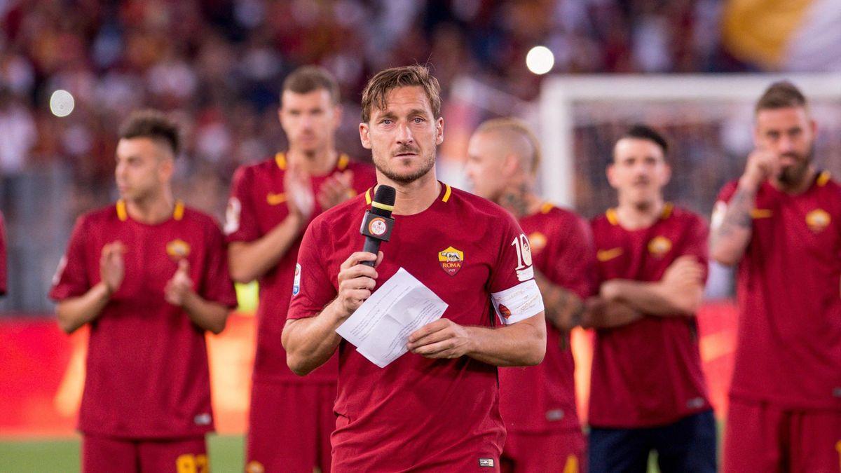 Totti a pályatutása utolsó profi meccse után