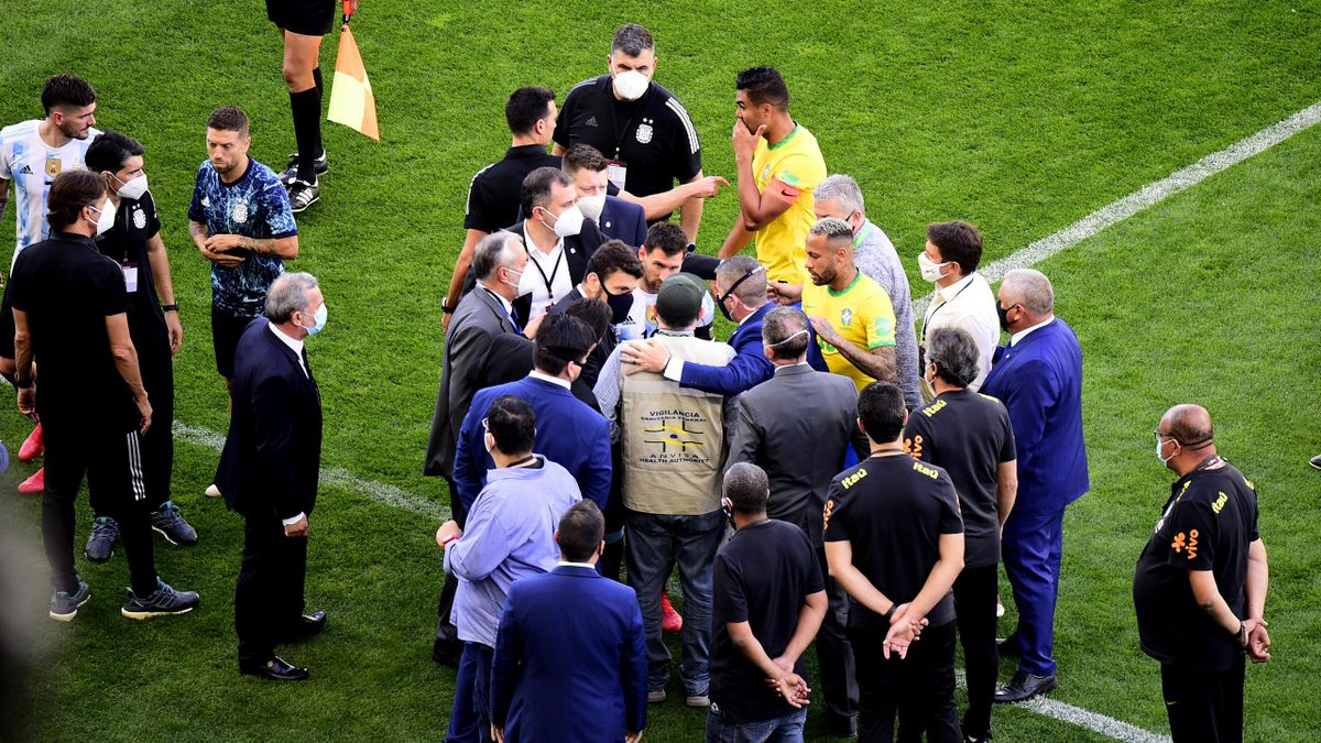 Scène confuse, lors de l'arrêt de Brésil-Argentine, le 5 septembre 2021