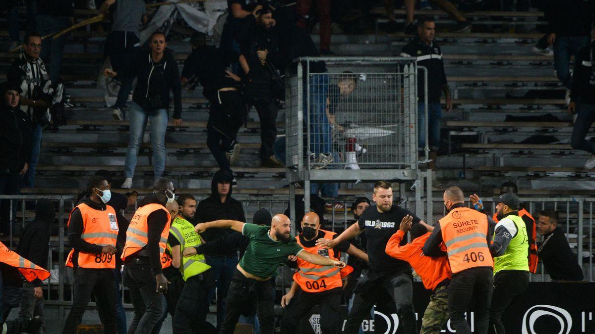 Le match Angers-OM a été marqué par des incidents entre supporters.