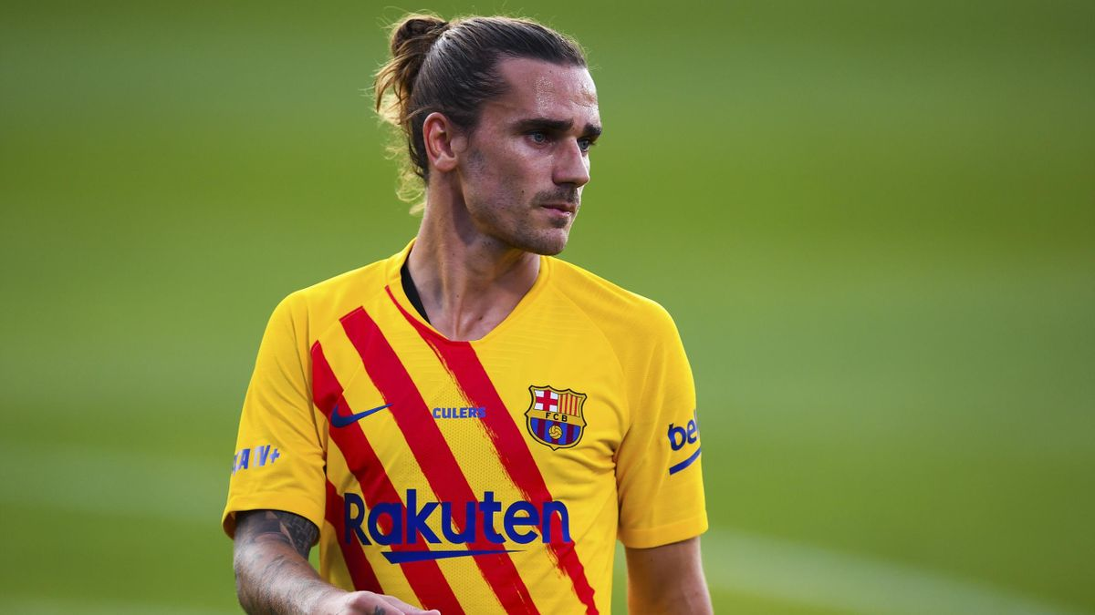 BARCELONA, SPAIN - SEPTEMBER 12: Antoine Griezmann of FC Barcelona looks on during the during the pre-season friendly match between FC Barcelona and Gimnastic de Tarragona at Estadi Johan Cruyff on September 12, 2020 in Barcelona, Spain. (Photo by David R