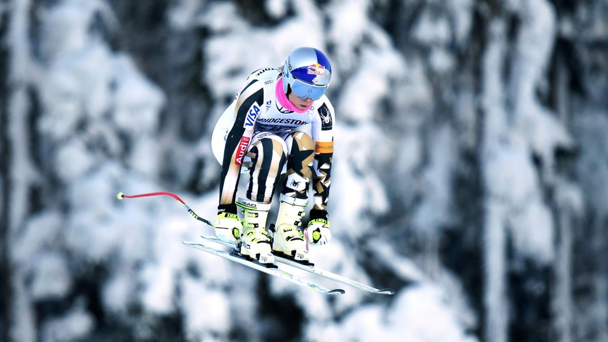 US Lindsey Vonn jumps during the training of the women downhill race at the FIS Alpine Skiing World Cup in Garmisch-Partenkirchen, southern Germany, on January 20, 2017