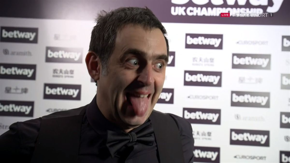 Ronnie O'Sullivan left in stitches at UK Championship