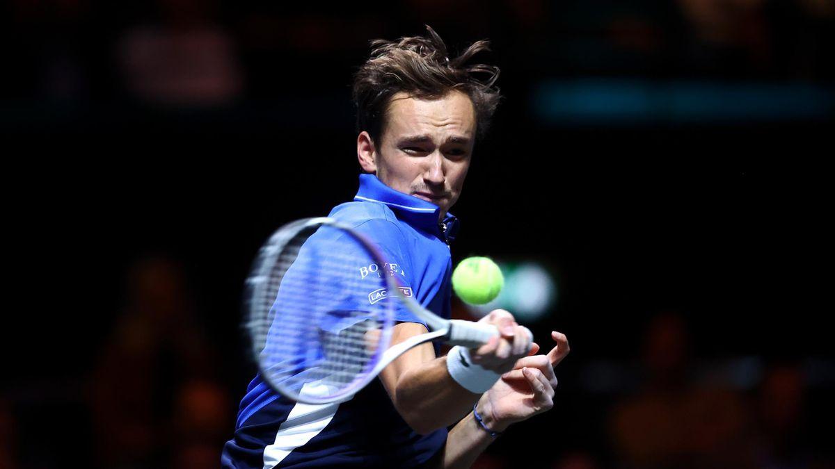 ATP Rotterdam : Medvedev v Pospisil - highlights