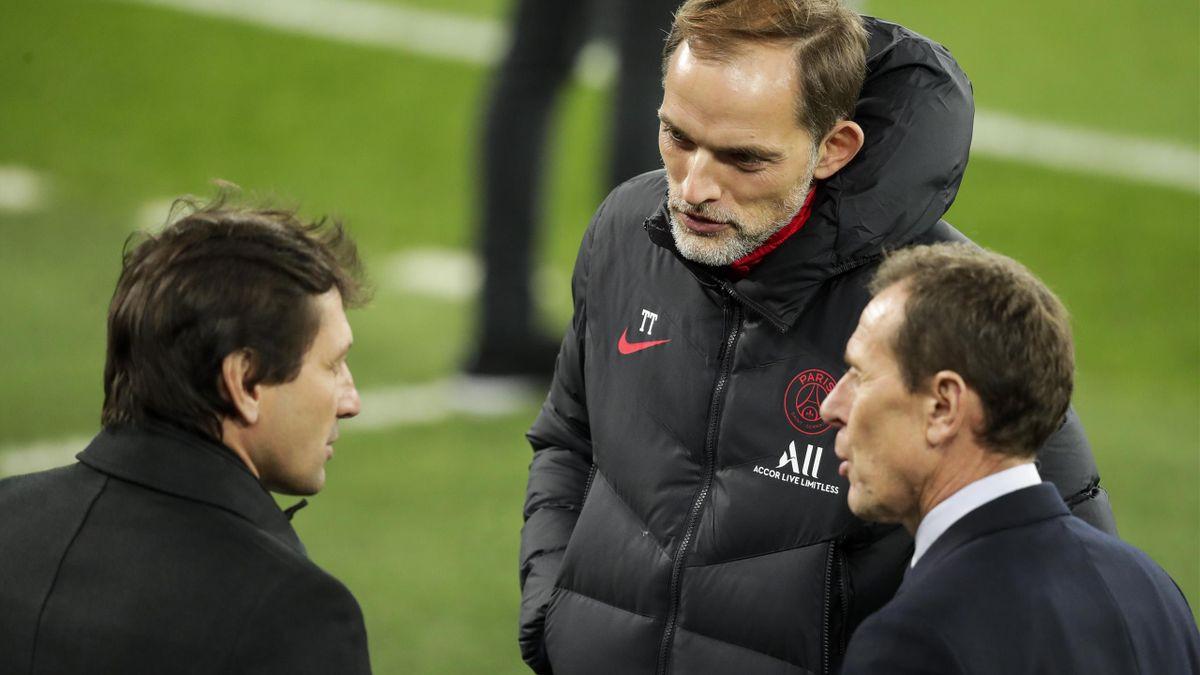 Thomas Tuchel (m.) und PSG-Sportdirektor Leonardo (l.)