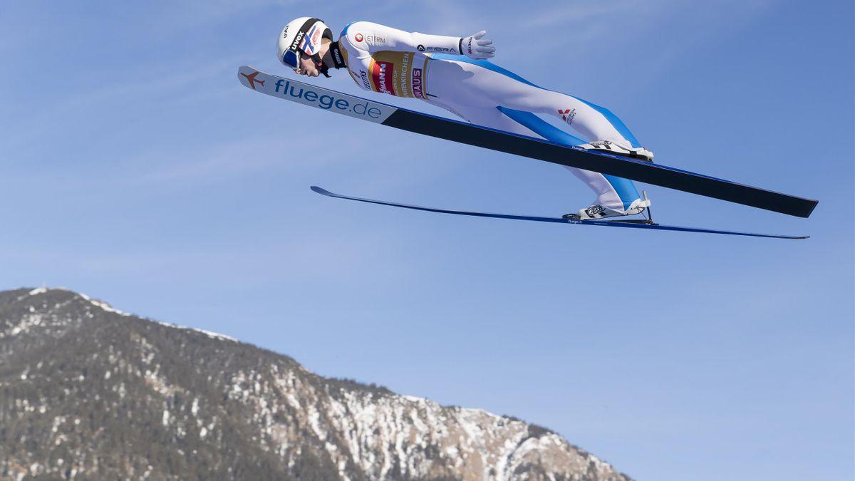 Halvor Egner Granerud im Flug in Garmisch-Partenkirchen