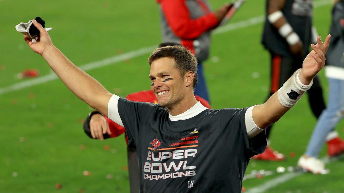 Tom Brady lässt sich für seinen siebten NFL-Meistertitel feiern
