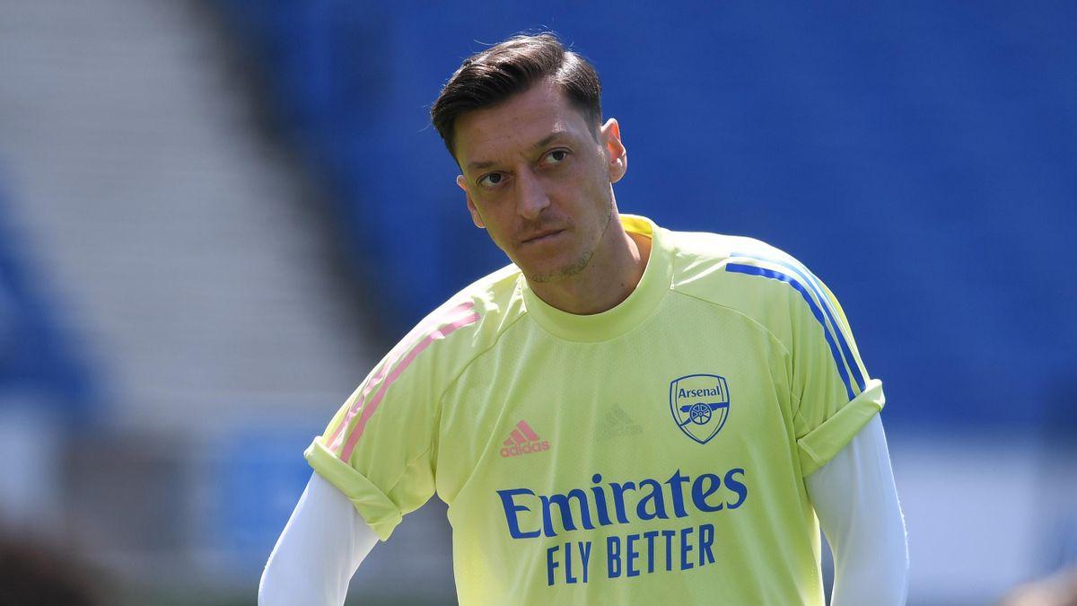 Mesut Ozil at Arsenal training