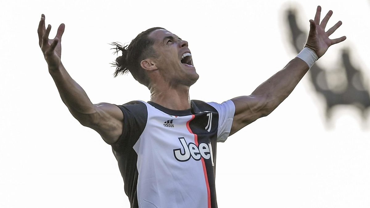 Cristiano Ronaldo of Juventus celebrates after scoring his team's third goal during the Serie A match between Juventus and Torino FC at Allianz Stadium on July 04, 2020