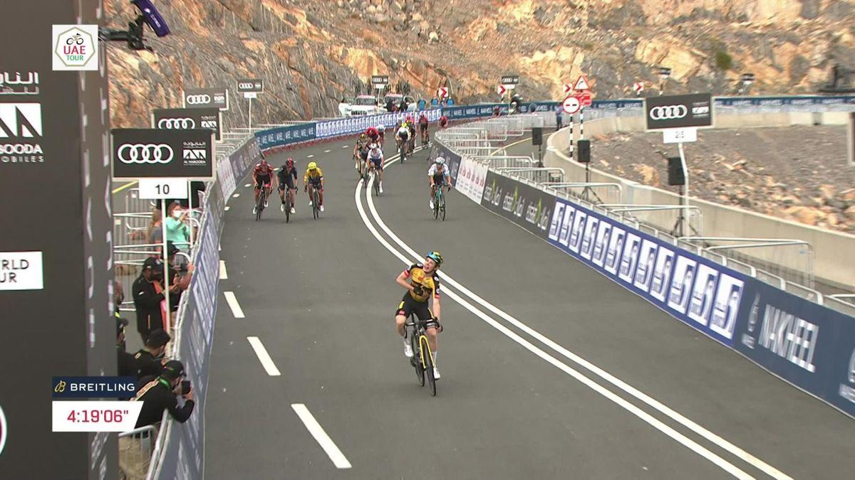 Vingegaard powers to Stage 5 victory at UAE Tour