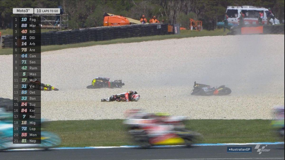Australian GP - Moto 3 - Crash Ramirez + Masia