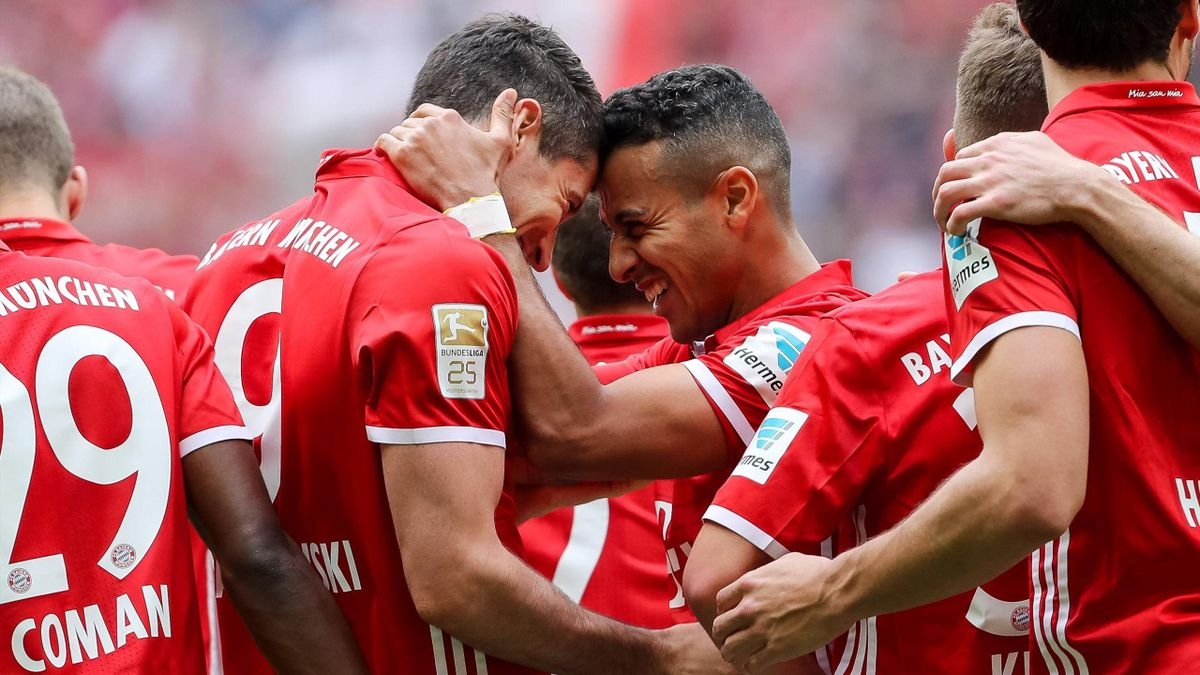 Lewandowski Thiago Alcántara - Bayern München-Augsburg - Bundesliga 2016/2017 - Imago