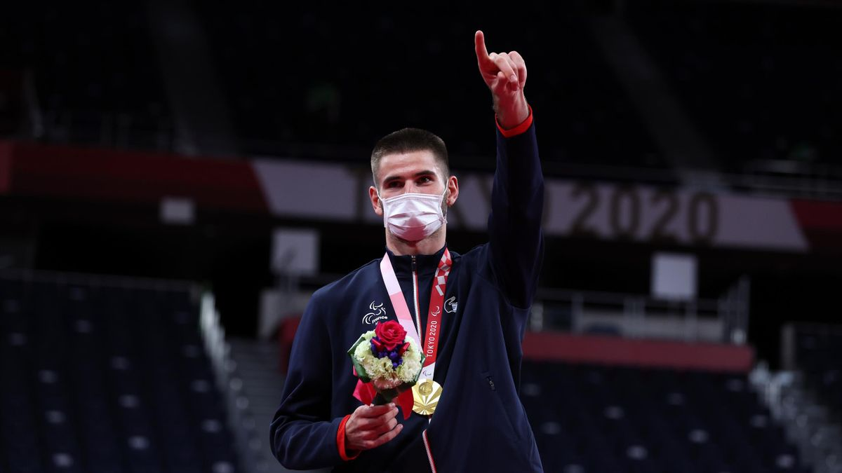 Lucas Mazur, médaillé d'or aux Jeux Paralympiques de Tokyo au tournoi de simple de badminton