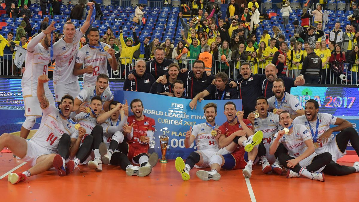 Joie de l'équipe de France de volley après son succès en finale de la Ligue mondiale