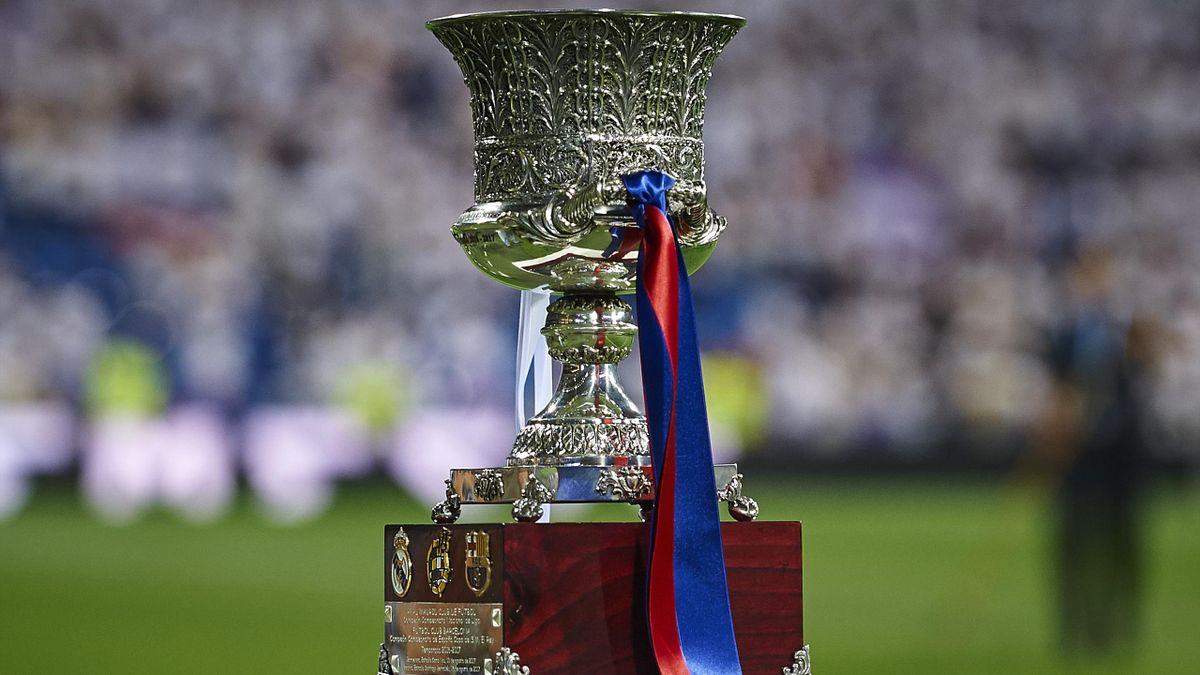 supercopa de españa trophy