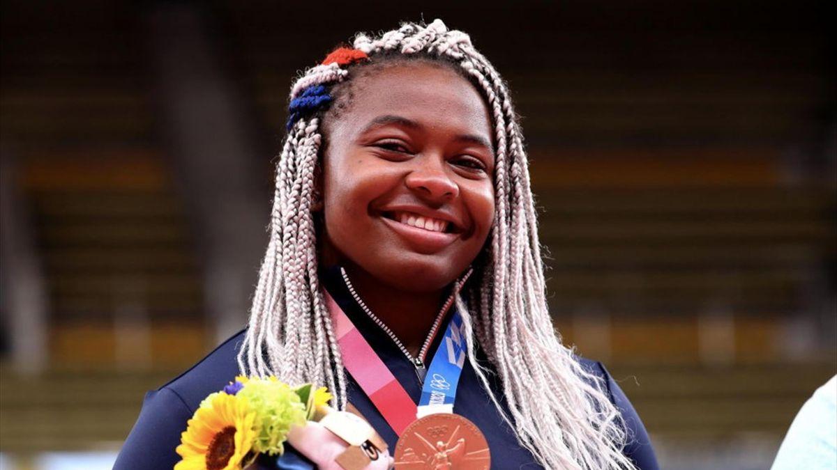 Romane Dicko avec sa médaille de bronze aux Jeux olympiques de Tokyo 2020 le 30 juillet 2021