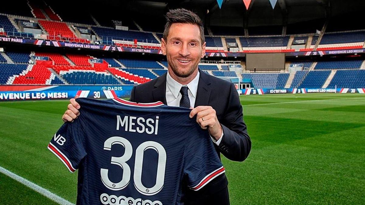 Leo Messi and n°30 (source : PSG)
