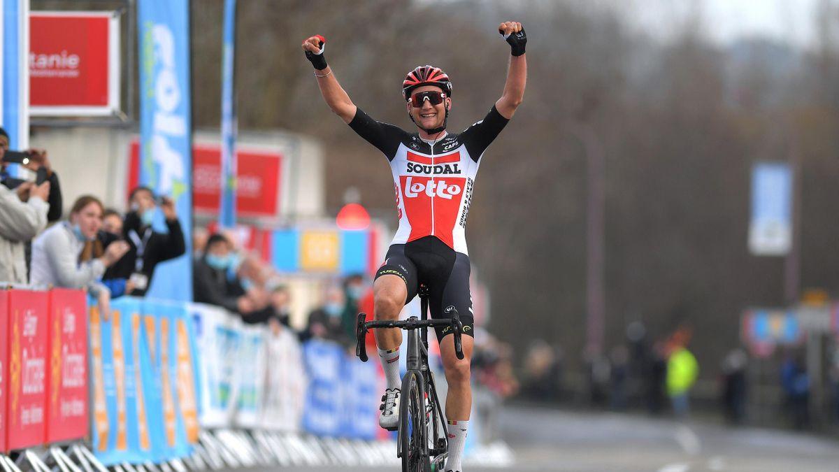 Tim Wellens hat die 3. Etappe beim Etoile de Bessèges als Solist gewonnen