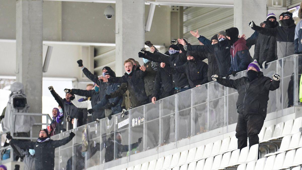 Die Schneeschipper von Aue sorgten für Stimmung gegen Düsseldorf