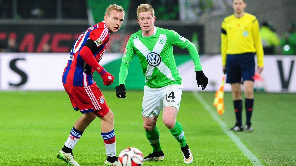 Bayern München und der VfL Wolfsburg treffen im Supercup-Finale aufeinander